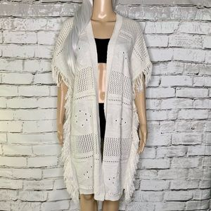 NWOT Madison Berkeley Crochet Fringe Cream Duster